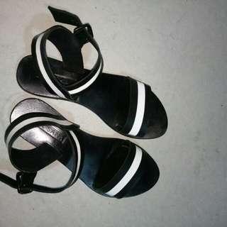 Sol Sana sandals size 37