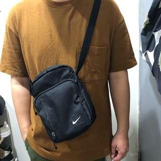 Nike肩背小包(大阪購入)