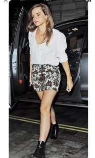 Zara patterned Jacquard mini skirt- Size S