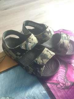 Authentic Adidas sandal(9k)