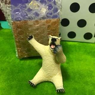 朝偎俊男愛睏北極熊