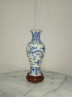 Antique porcelain 🐉 vase height 24cm + wood stand perfect