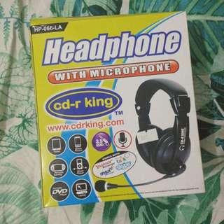 CD R king headphones with mic