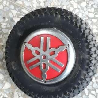 🚚 山葉機車後面裝飾小輪胎