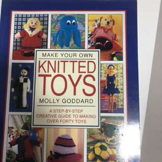Knit yr own toys instruction book. Bot never used. Deliver by mail only