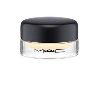BN MAC Soft Serve Eyeshadow in Plead Gilty
