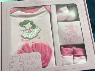 Baby girl clothes gift set