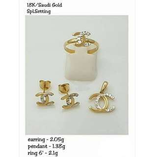 18K SPL SAUDI GOLD SET ( PENDANT, RING & EARRINGS ) .;<<