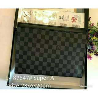 LV clutch with box (87647)