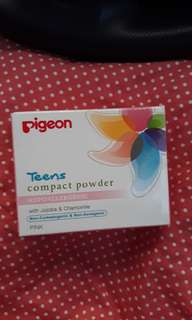 Pigeon Compact Powder Hypoallergenic Pink