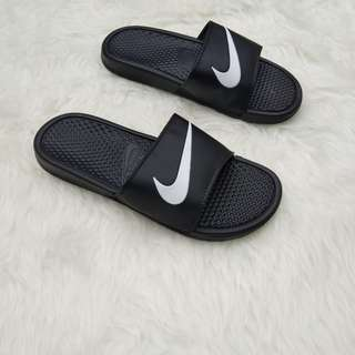 Sandal nike flip flop benassi swoosh black lis white original
