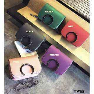 TW33 时髦吊带包   🌷 Color : Pink / Purple / Red / Green / Black ✅ Size:19cmx 15cm x 6cm  📮 Postage:WM:RM10,EM:RM14 🚚 Shipping days will be 7 working days, Not included Public Holiday & Weekend