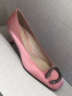 Gucci mid heel shoes in pink