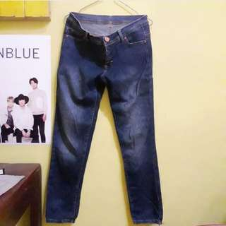 Celana jeans size 30
