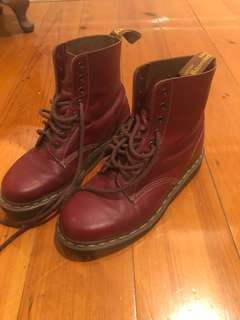 Cherry red classic dr martens UK 6.5 RRP249