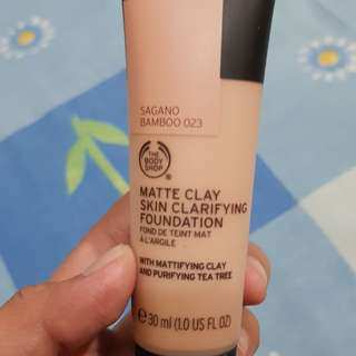 the body shop clay matte foundie