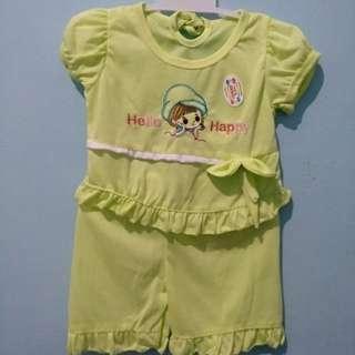 <new> setelan baju dan celana bayi hello happy hijau stabilo