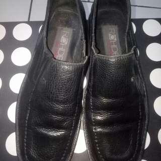 Sepatu pantofel cowo kulit asli
