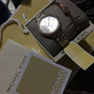 Good as new Michael Kors set