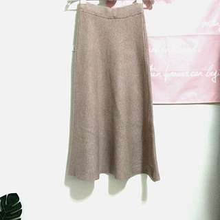 🚚 杏色 燕麥色 針織長裙 垂墜感很好
