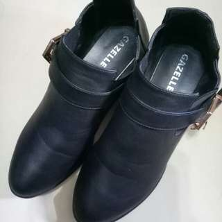 女鞋37碼。商品售出無退換貨