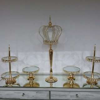 Cake stands and crowns