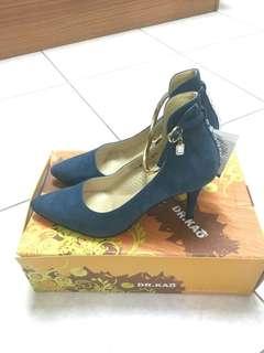 DR.KAO 藍色麂皮水鑽金屬環高跟鞋👠 37.5號 DK女鞋 全新
