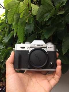Fuji film XT-10 KIT XC 16-50 hitam silver mulus