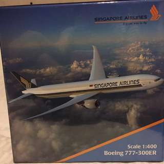 1: 400SINGAPORE AIRLINES Boeing 777-300ER