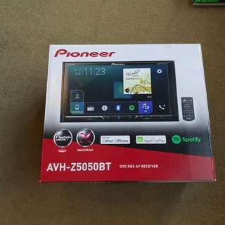Premium 2 DIN Car Radio Pioneer AVH-Z5050BT