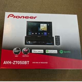 Premium 1 DIN Car Radio Pioneer AVH-Z7050BT