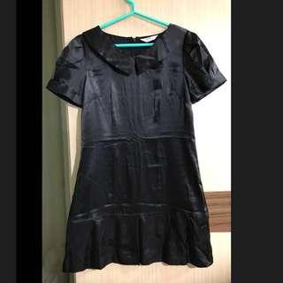 EMPRESS 6 黑色 絲質感 短袖洋裝 圓領 百褶裙 大尺碼 顯瘦 台灣製