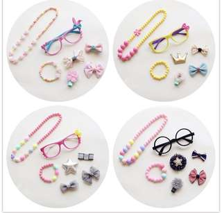 Girl Accessories (1016)