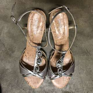 Pretty Fit Silver Party shoes