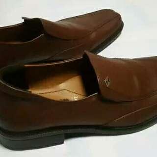 Sepatu pria garucci