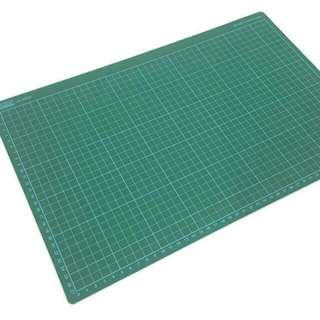 Suremark Semi Hard Rubber like Surface Cutting Mat A3 Size 3mm Thickness