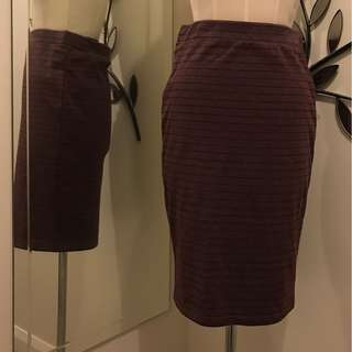 Medium length Skirt