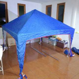Tenda untuk jualan, baru dipakai satu dua kali aja