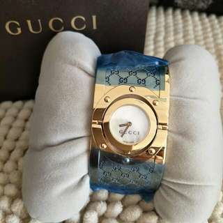 Gucci YA112440 all gold stainless 33mm