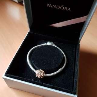 Pandora bracelet with 1 heart charm