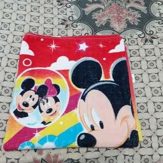 Handuk mickey mouse