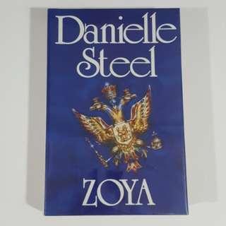 Zoya by Danielle Steel [Hardcover]