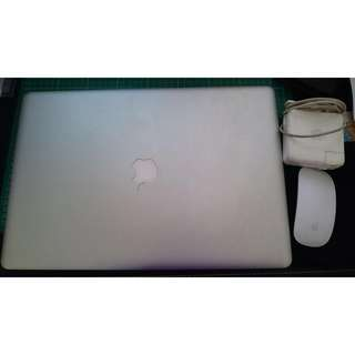 Apple Macbook Pro (Late 2011) 17吋 i7 2.4GHz/16GB/750GB