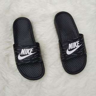 sandal nike flip flop benassi swoosh black white motif just do it