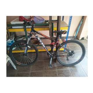 [PRE-LOVED] SHIMANO DEORE- LIMITED EDITION XDS Mountain Bike (2 yrs old, Original Price RM800)
