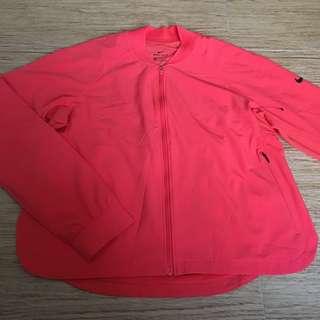 Nike women's windbreaker / size S/ color : red