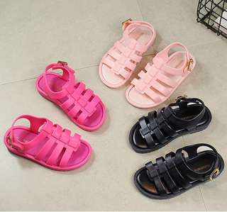 P/O girls jelly sandals