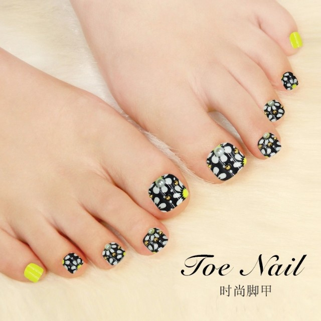 French Manicure False Toe Nails | Splendid Wedding Company