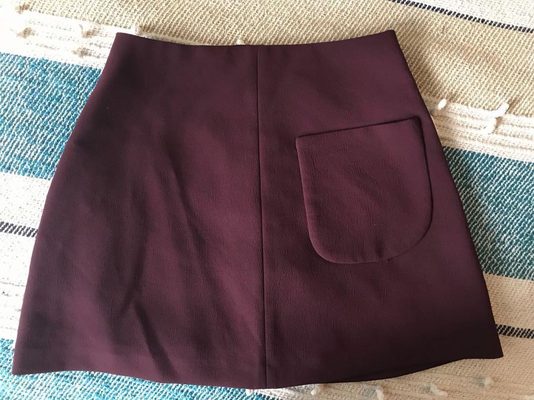 Aritzia Burgundy Essonne Skirt Size 00