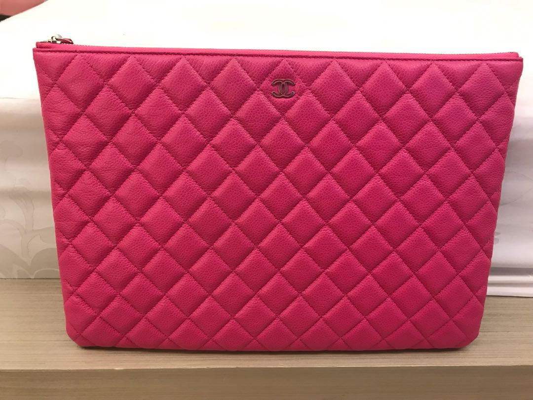 959299fb4d63 Chanel 桃紅色Clutch bag 99%new & 100%real, Luxury, Bags & Wallets on ...